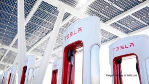 Colonnine ricarica Tesla auto elettriche